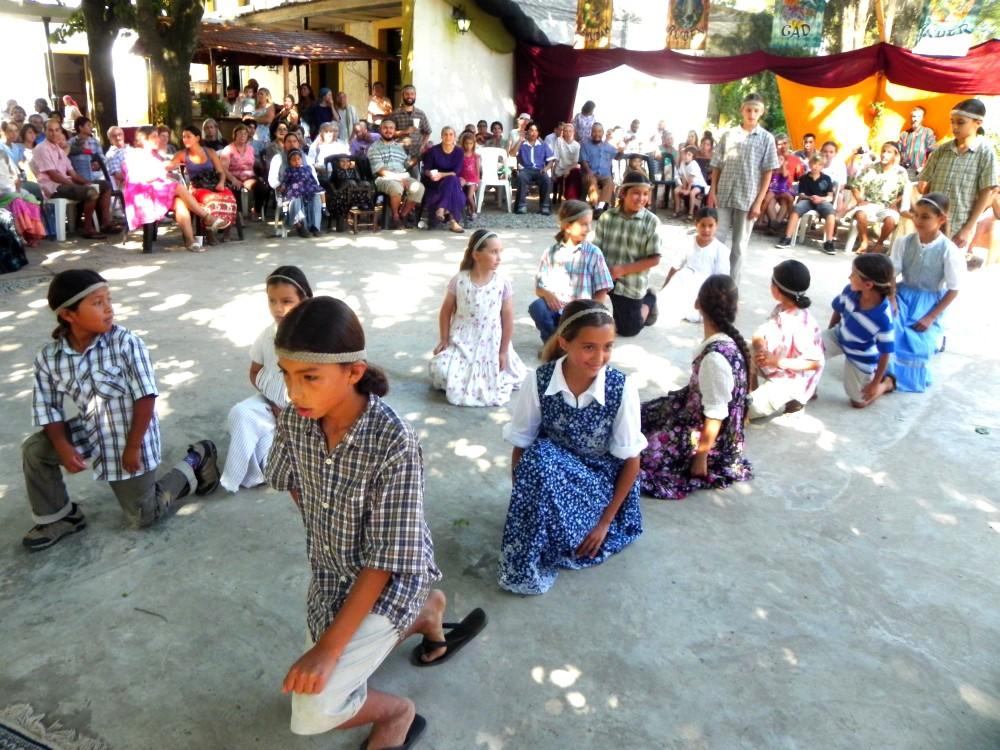 Danza de ninos de la tribu de Isacar
